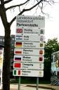 Städtepartnerschaft Düsseldorf - Palermo: Zum 1. Jubiläum zieren nun auch Hinweisschilder die Einfahrten zur NRW-Landeshauptstadt. Vor einem Jahr hatte der Düsseldorfer Stadtrat in Anwesenheit von Palermos Oberbürgermeister Leoluca Orlando der Städtepartn